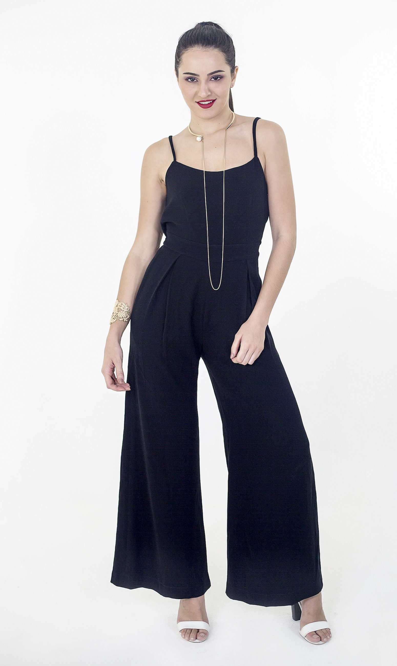 drape-backed-and-wide-legged-jumpsuit-2_crop-3mb