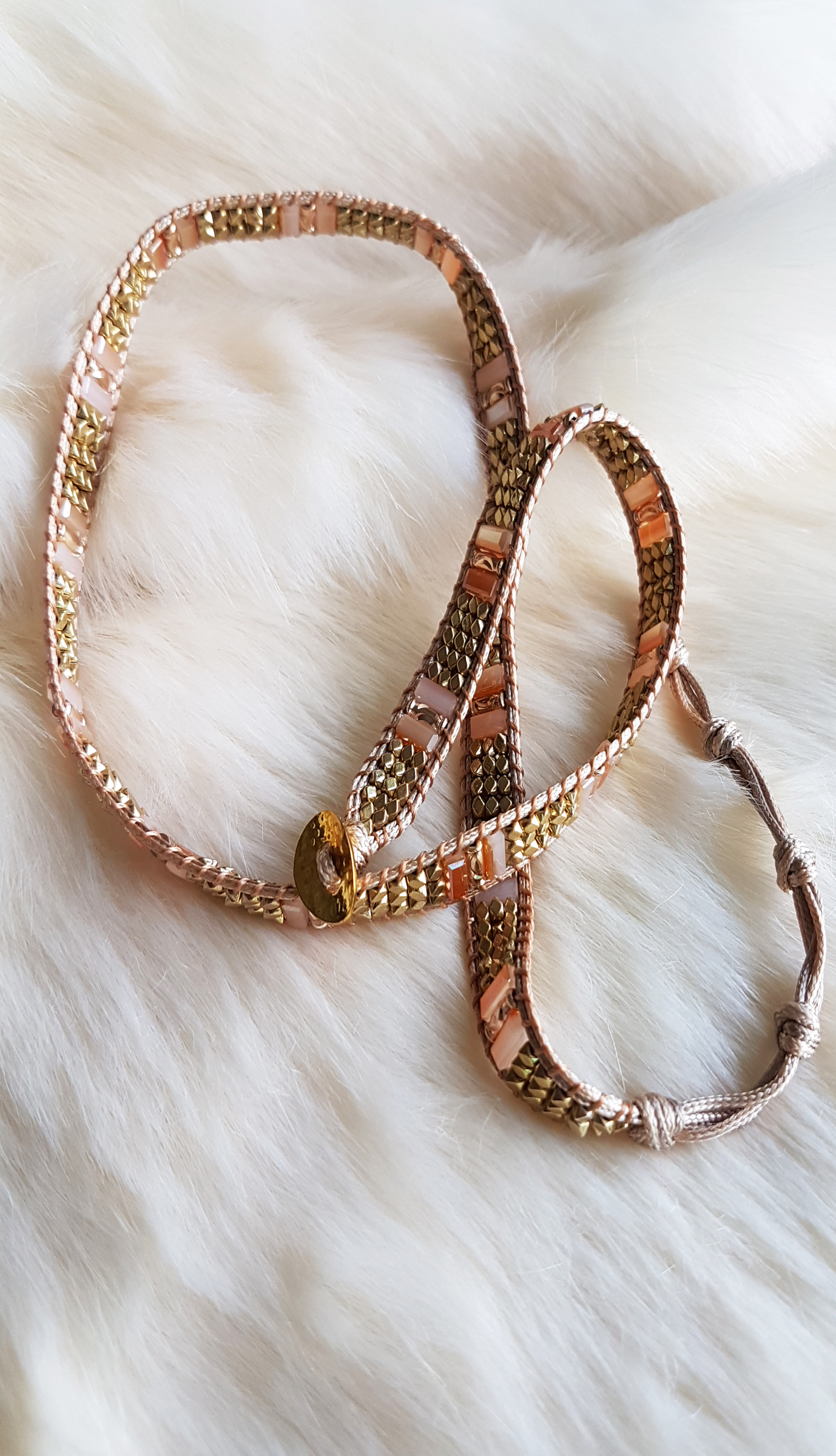 necklace-with-golden-and-faceted-beads_3